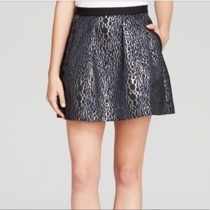 French connection sparkle ray flared skirt sz 4